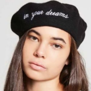 🎁 In Your Dreams Forever 21 Beret NWT